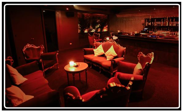 Moet-Gold-Lounge
